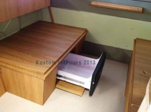 KustomInteriors-carlo-splitscreen-fridge