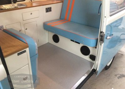 Kustom-t2-interior-blue-orange2