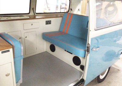 Kustom-t2-interior-blue-orange5