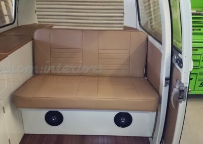 Kustom_VW_Jason_t2_bay-rock and roll bed