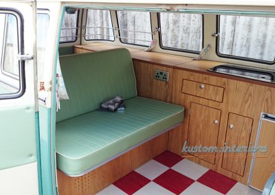 Kustom Interior Splitscreen Interior - David- rock n roll bed