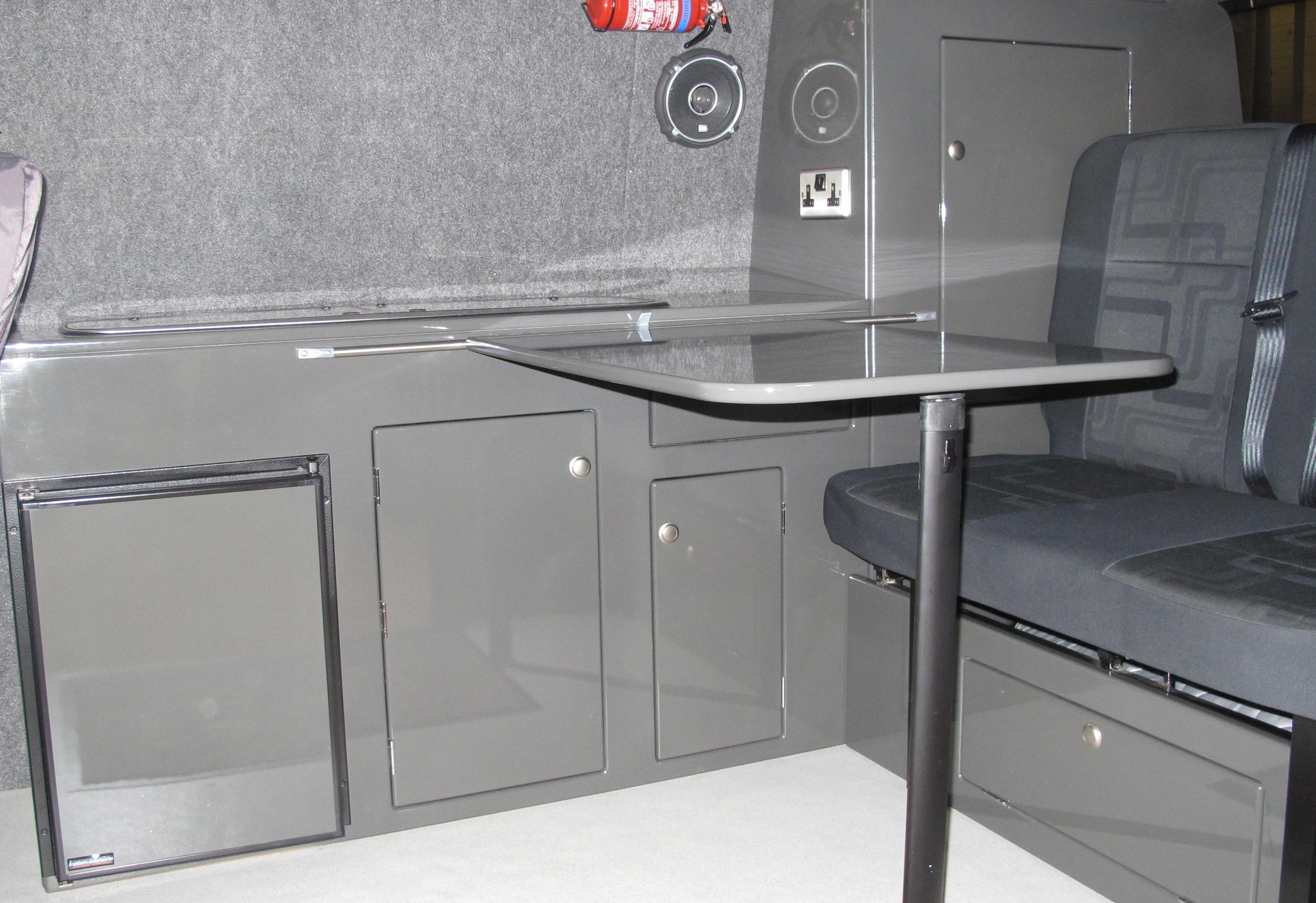 Kustominteriors t5 camper interior vw camper interiors for Vw t4 interior designs